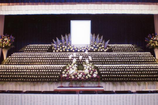 社葬式での祭壇